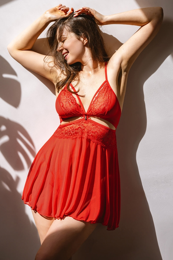 Nuisette rouge sexy avec string